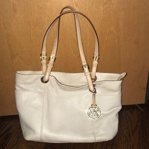 Michael Kors bag, priced to sell!